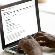 E-Mail-Signatur auf Display